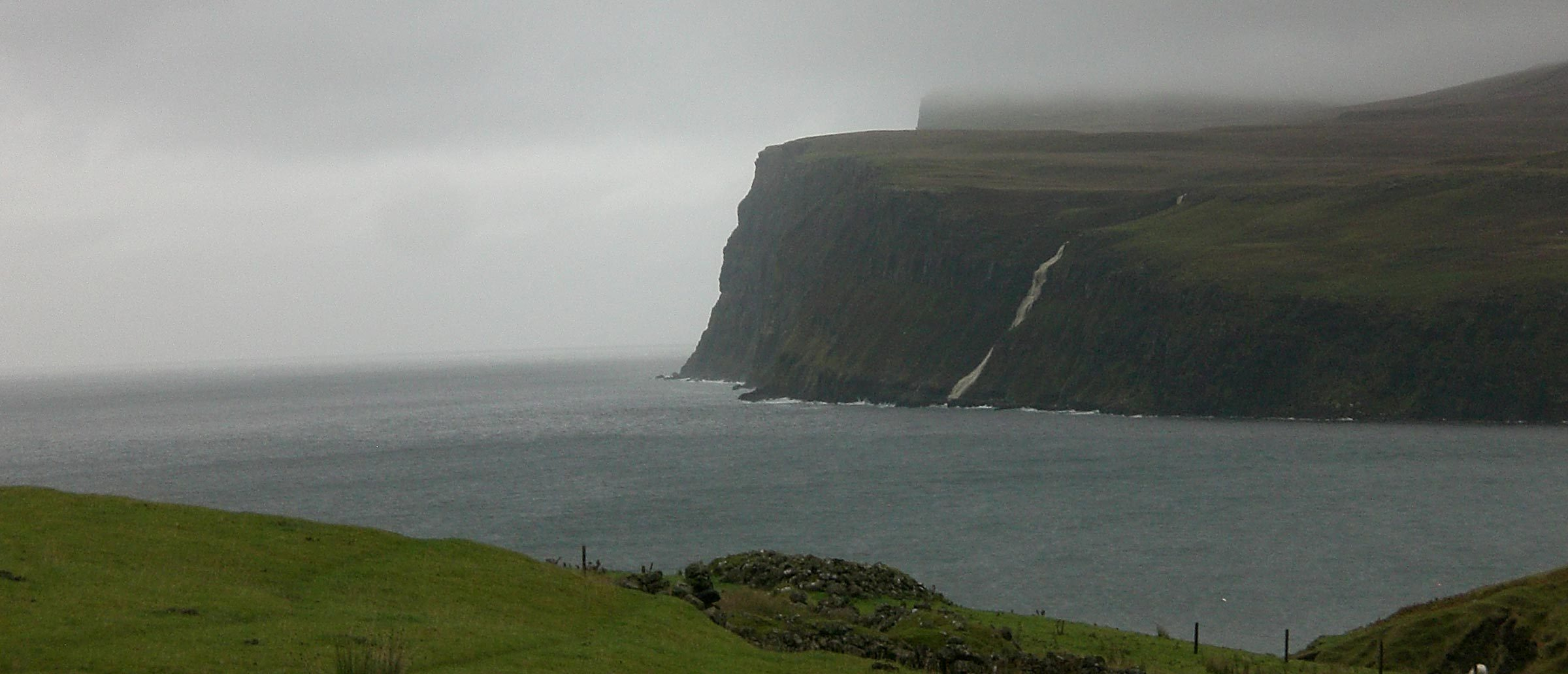 Isle of Skye Schottland: Whisky & Wellen 2