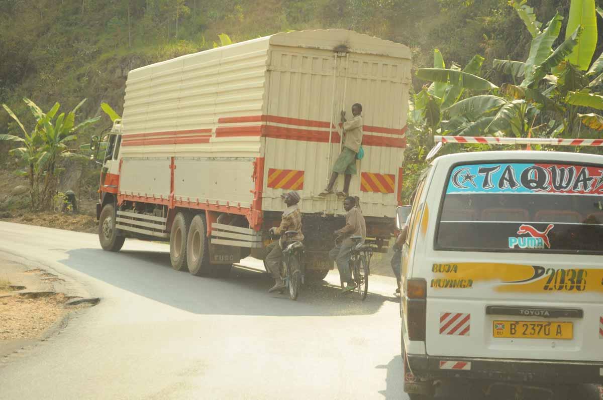 Auf der Straße in Burundi