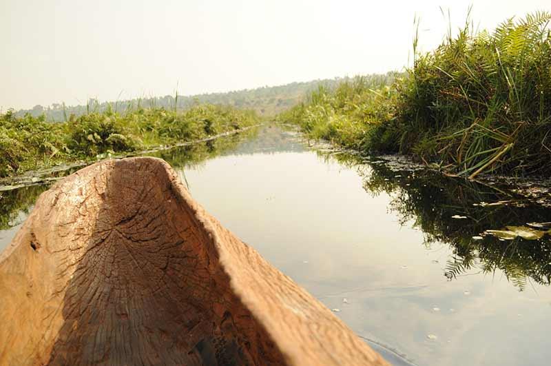 Auf einem Fluss in Burundi