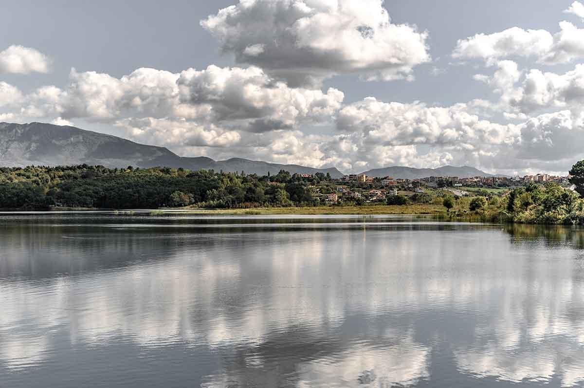 See von Tirana