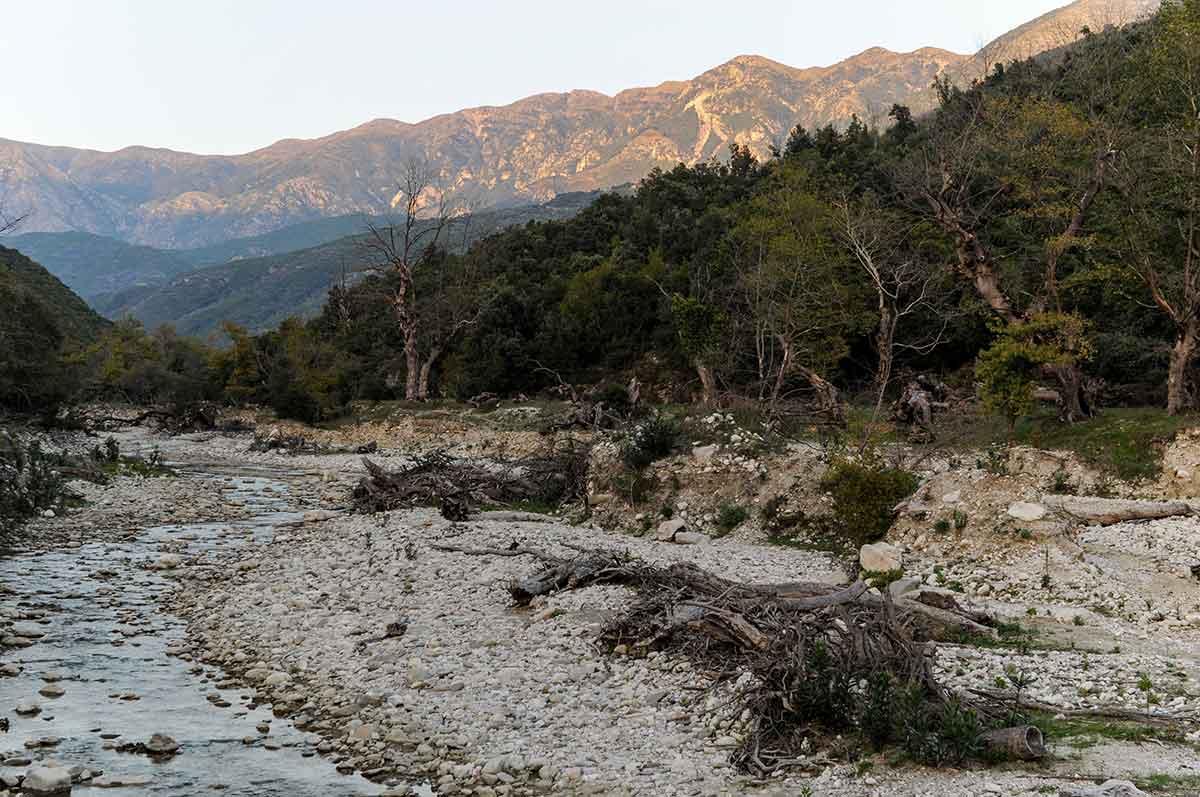 Einsames Tal bei Qeparo