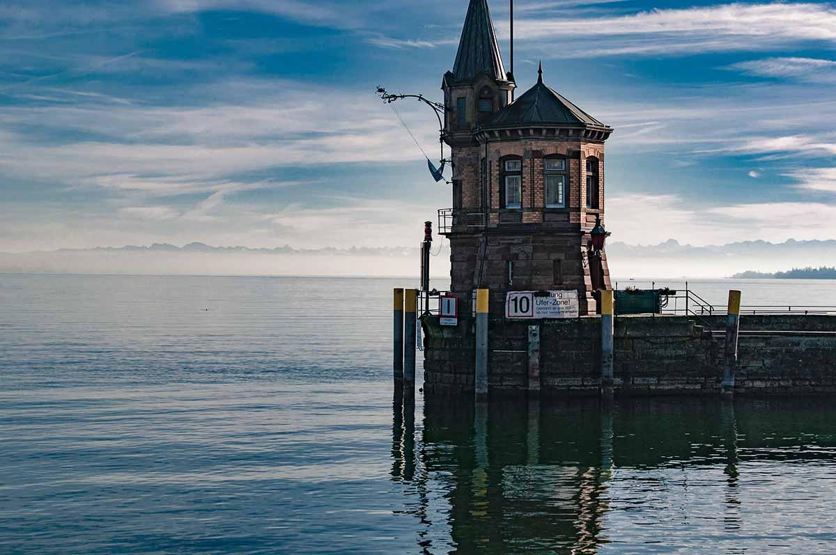 Die Hafeneinfahrt von Konstanz