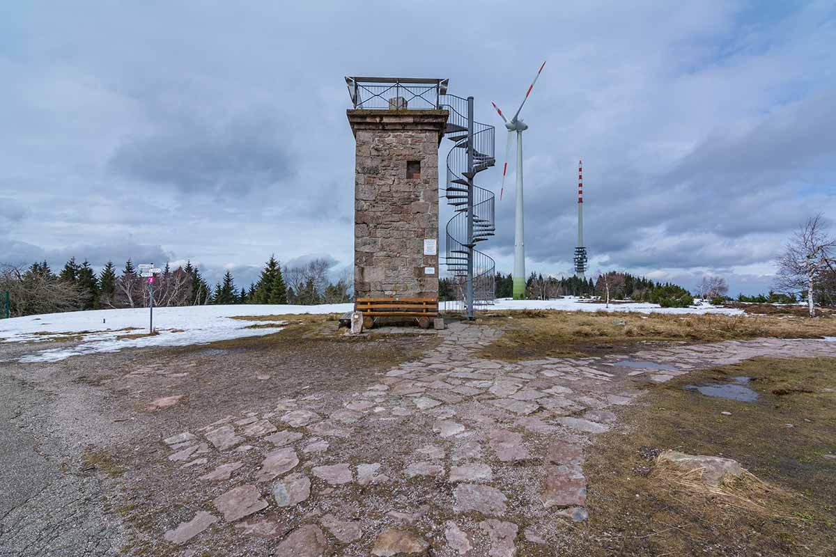 Der Bismarckturm auf der Hornisgrinde