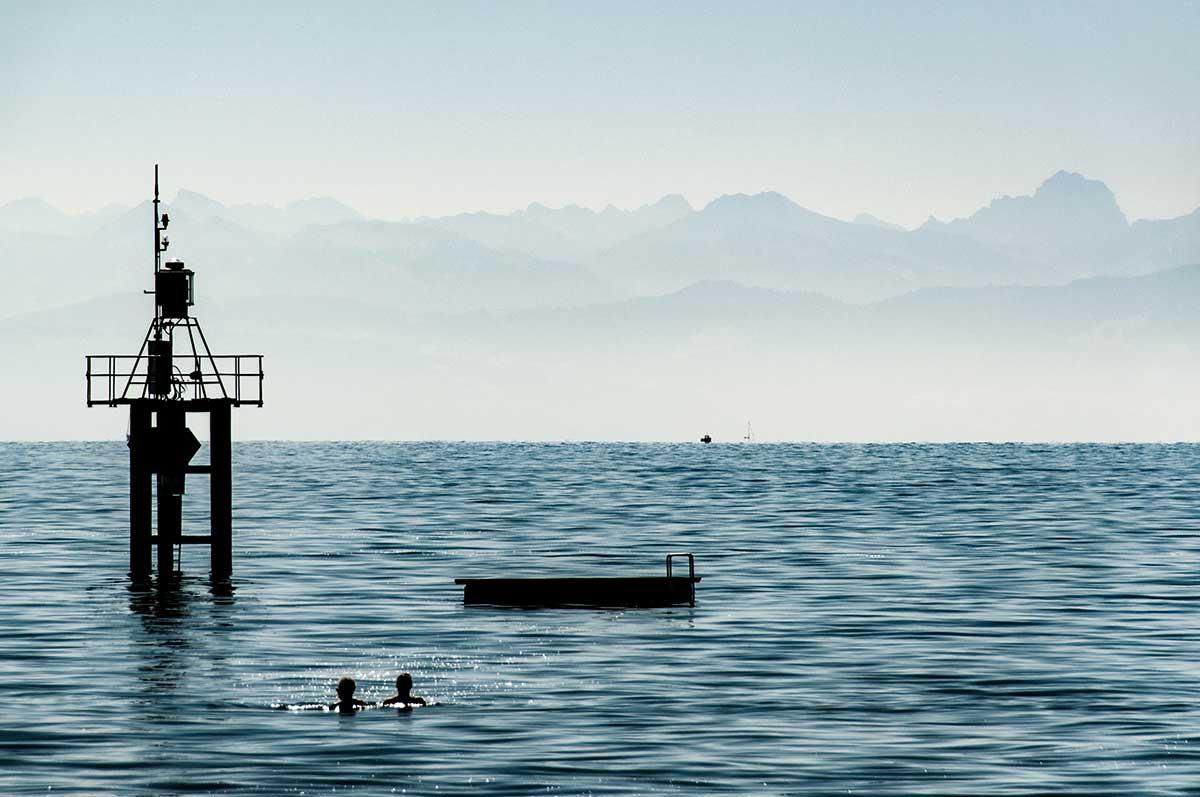 Badeinsel und Alpen am Hörnle