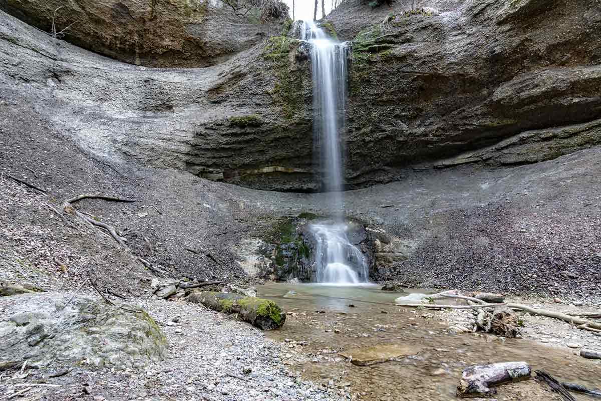 Wasserfall auf dem Weg zum Schauenberg